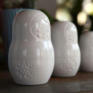 Matryoshka measuring cups-white