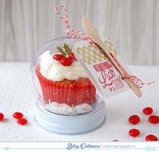 Cupcake-Snow-Globes2