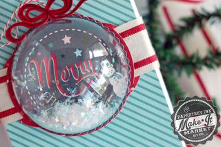 Merry-Ornament-Topper-dtl2