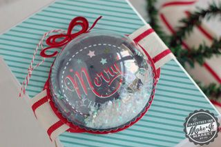 Merry-Ornament-Topper