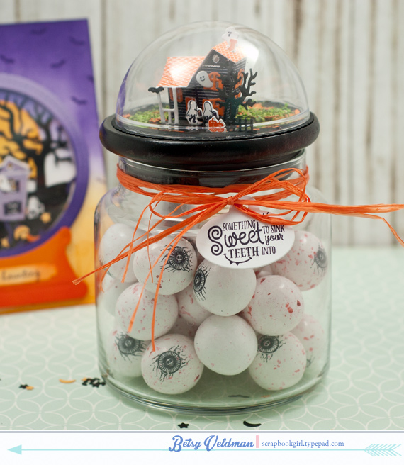 Spook-Manor-eyeball-jar
