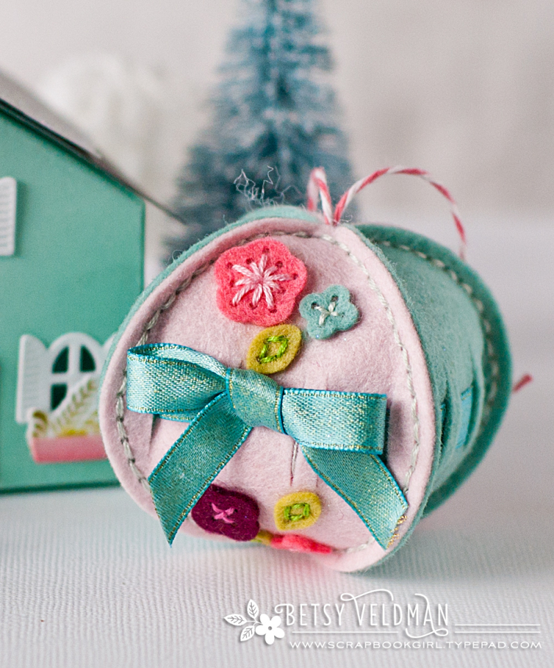Felt-ornament4